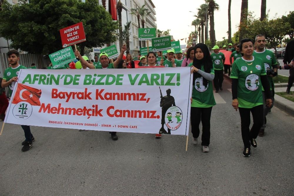 İskenderun'da Down Sendromlular Mehmetçik için yürüdü