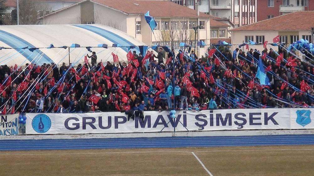 Kütahyaspor taraftarından Mehmetçik'e 'yanınızdayız' mesajı