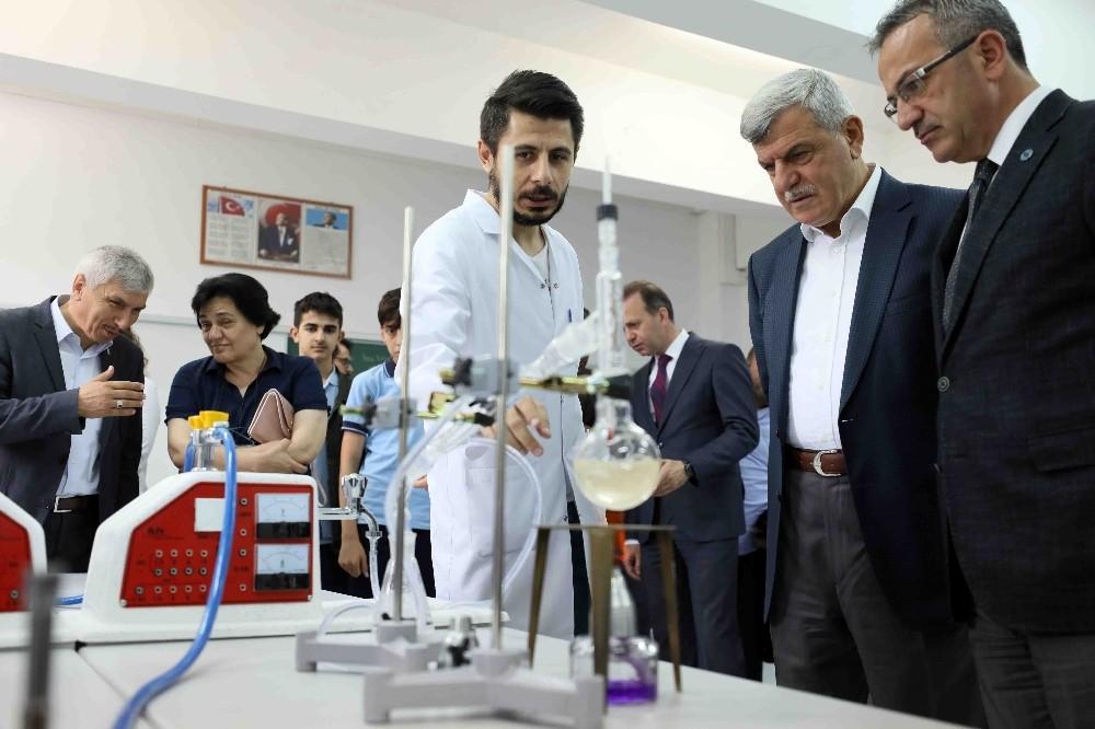"""Başkan Karaosmanoğlu: Bilime ve eğitime tam destek veriyoruz"""""""