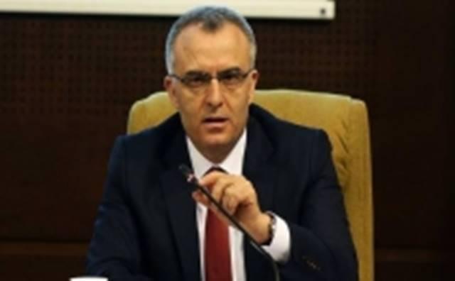 Maliye Bakanı Naci Ağbal Taşeron Çalışması için; 'Hem geçiş düzenlemesi yapıp hem de mevcut düzenlemeyi devam ettirmek gibi bir düşüncemiz yok'