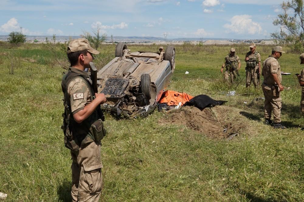 Taziye dönüşü feci kaza: 2 ölü, 3 yaralı