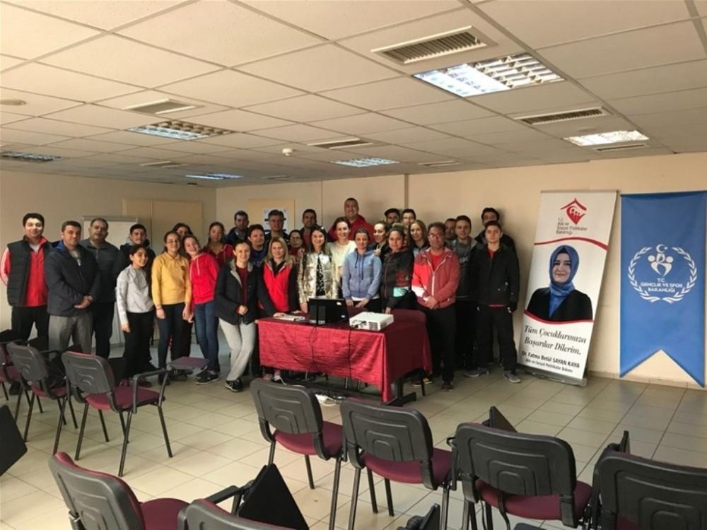 Aydın'da kadına yönelik şiddete hayır semineri düzenlendi