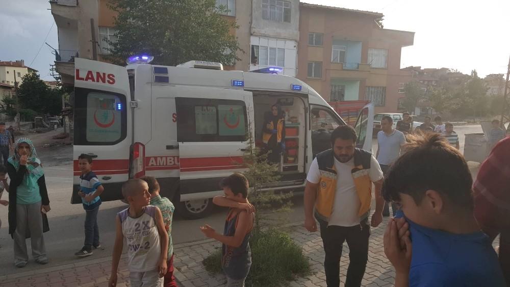 Yangında evinde mahsur kalan vatandaşı itfaiye ekipleri kurtardı