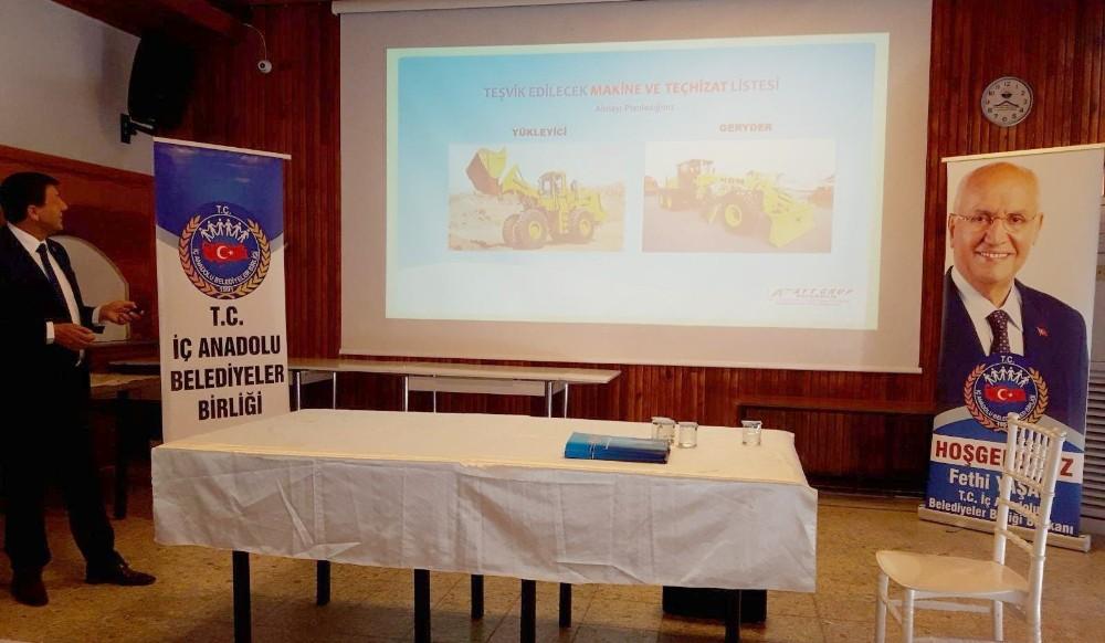 Belediye çalışanlarına eğitim semineri verildi