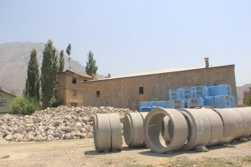 Osmanlı döneminde kalma medrese çevresinde çalışma
