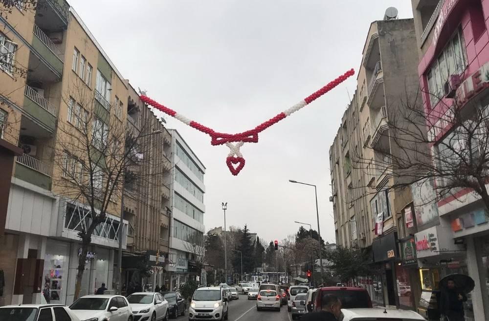 Esnaf 14 Şubat Sevgililer Gününü hazırlanıyor