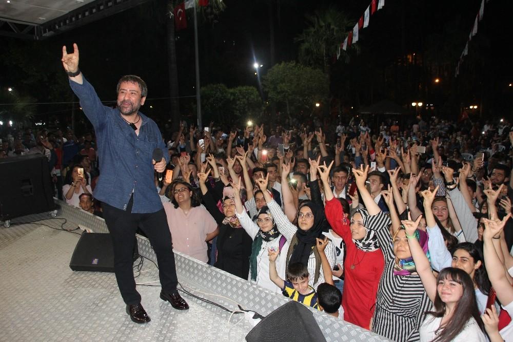 Osman Öztunç ülkücü gençleri coşturdu