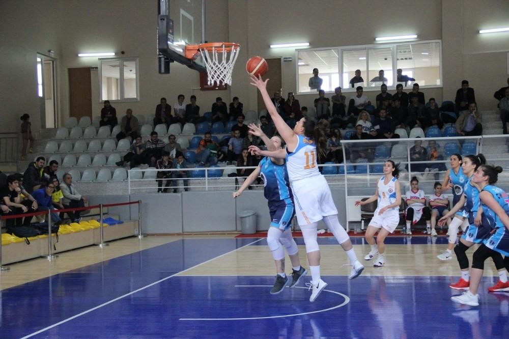 Kadınlar Basketbol 1. Ligi: Elazığ İl Özel İdare: 103 - Ferko Ilgaz Hotel KBSK: 57