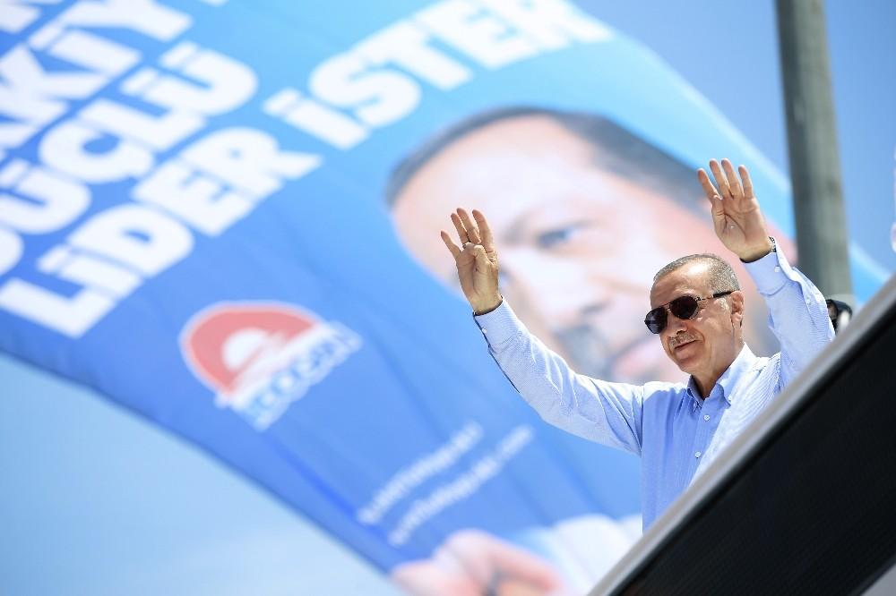 Cumhurbaşkanı Erdoğan: ″Benim kardeşlerim, vatandaşlarım Pazar günü gereken dersi verecek″