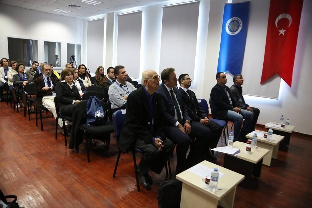 Urla'da 'Sualtı Bilim ve Teknolojisi' masaya yatırıldı