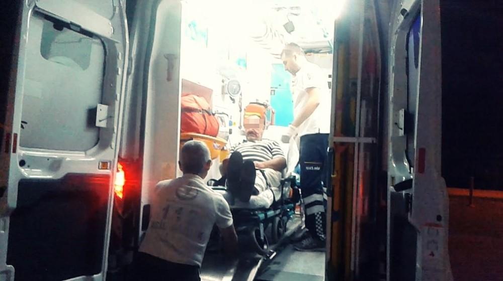 Baba oğlun saldırısına uğrayan adam yaralandı