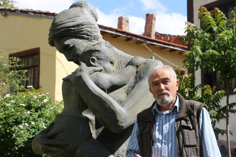 Sivrihisar'a yüzlerce sanat eseri kazandırdı