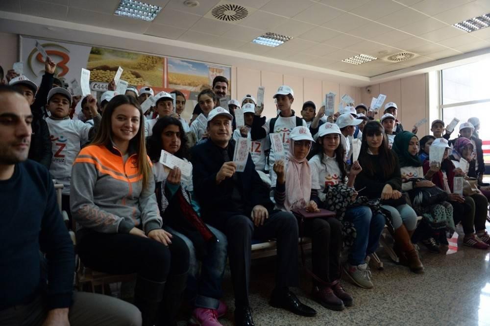 Erzurumlu öğrenciler Bursa'ya uğurlandı