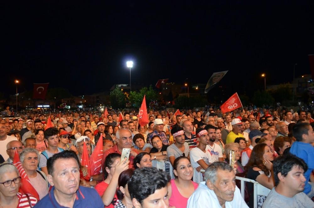 """CHP Parti Sözcüsü Tezcan """"İçişleri Bakanı tahrik eden bir dil kullanıyor"""""""