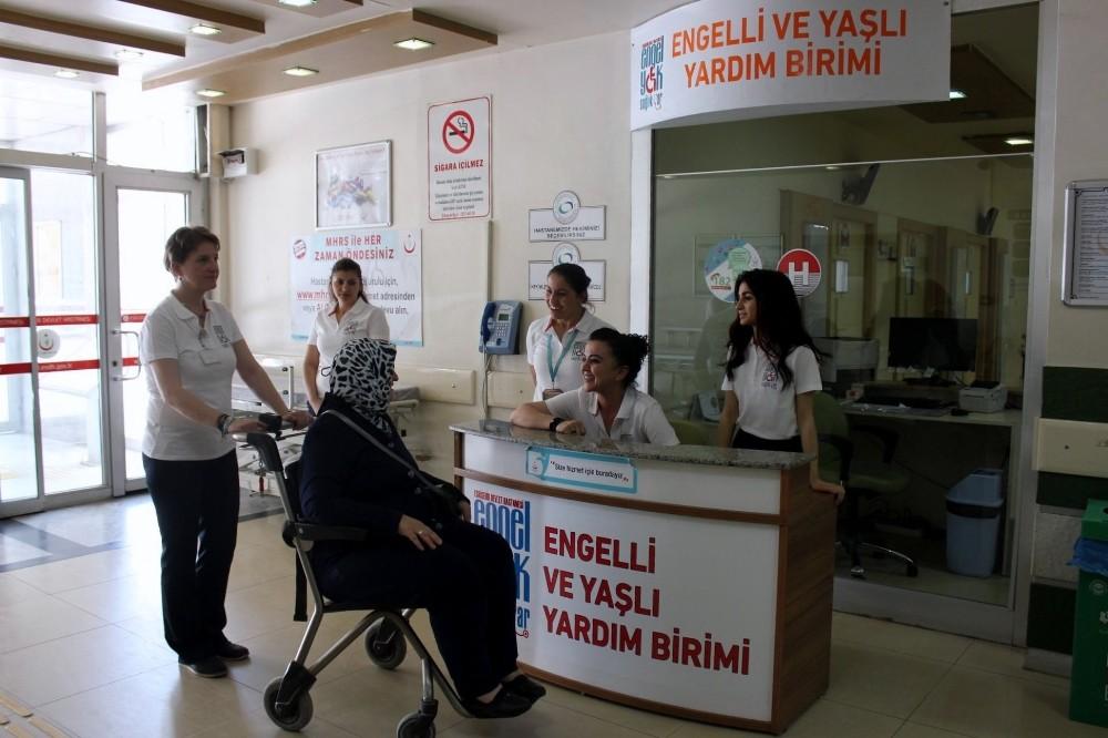 Eskişehir hastanelerinde engelli ve yaşlılara refakat birimi kuruldu