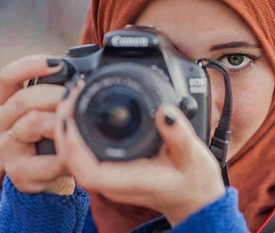 İsrail, Filistinli bir gazeteciyi gözaltına aldı