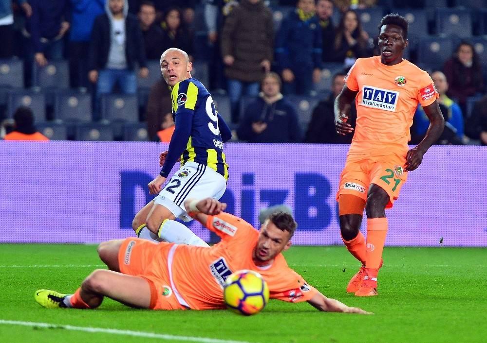 Spor Toto Süper Lig: Fenerbahçe: 2 - Aytemiz Alanyaspor: 0 (İlk yarı sonucu)