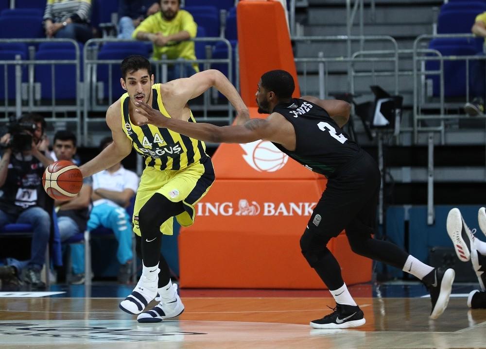 Tahincioğlu Basketbol Süper Ligi play-off: Fenerbahçe Doğuş: 81 - Sakarya Büyükşehir Basketbol: 66