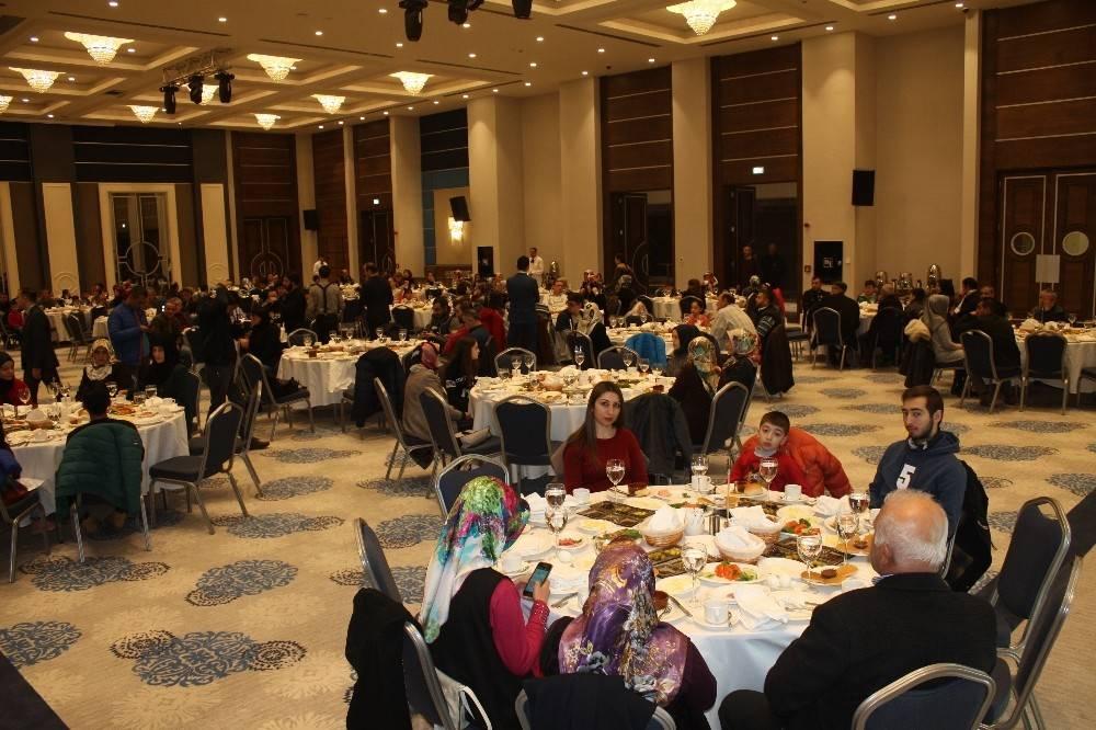 Tokat'ta 60 başarılı öğrenci bursla ödüllendirildi