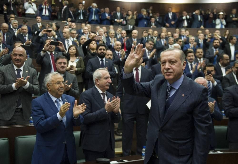 """Erdoğan: """"Cevap vermezsek terbiyesizliklerini siyaset yapmak sanıyorlar"""""""