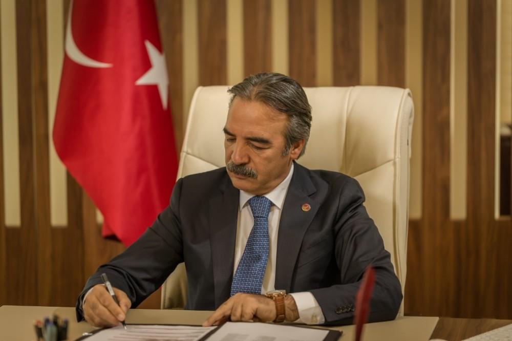 """NEVÜ Rektörü Bağlı, """"Atatürk'ü Anma, Gençlik ve Spor Bayramı"""" mesajı yayımladı"""