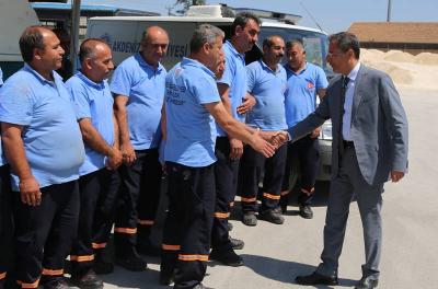 Akdeniz Belediyesi'nde taşerondan kadroya geçen işçilerin zam sevinci