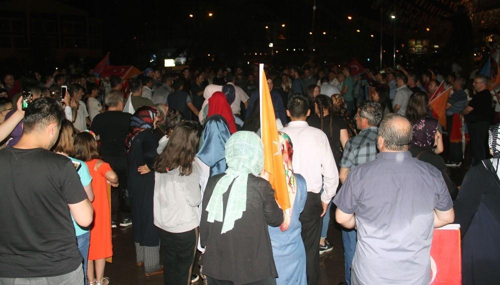 Giresun'da AK Partililerin seçim coşkusu