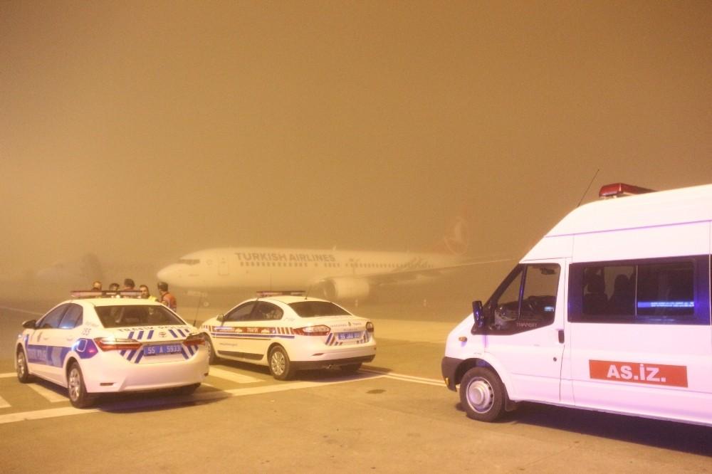 Hakkari şehidini taşıyan uçak sis nedeniyle Samsun'a inemedi