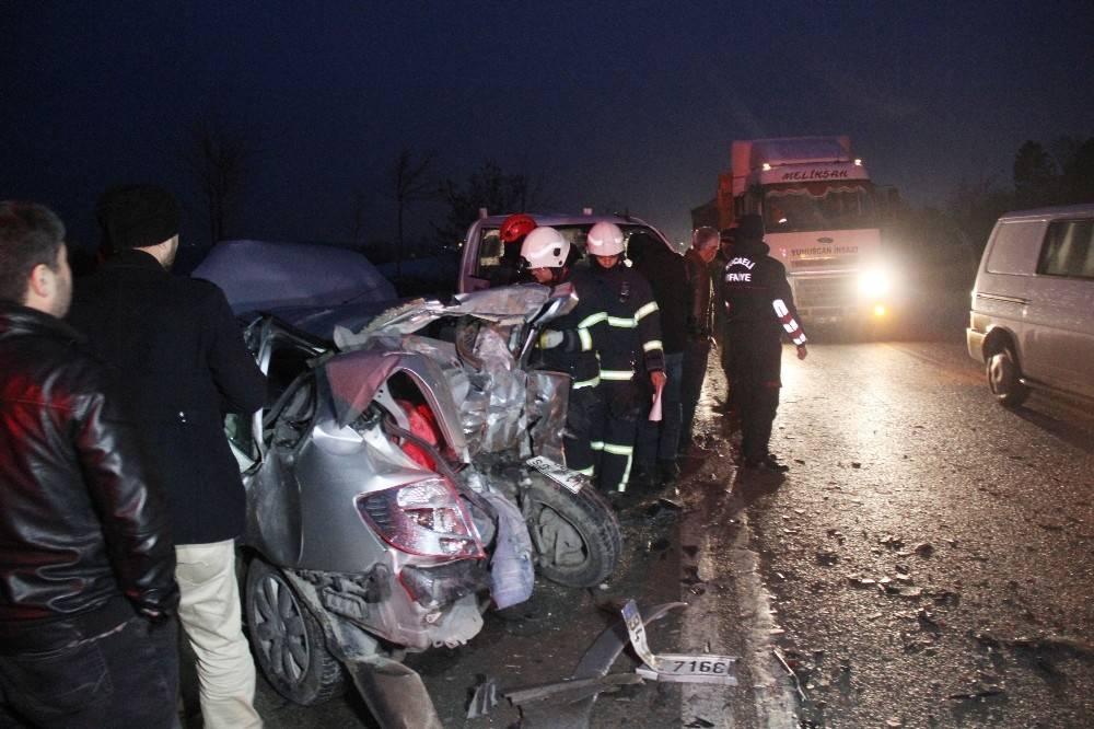 Ölümden döndü, kaza yapan aracını bırakıp gitmek istemedi