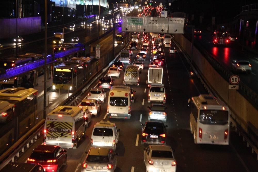 Okullar Başladı, trafik yoğunluğu arttı