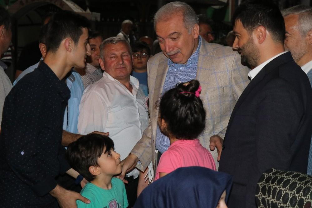 İBB Başkanı Uysal, Kağıthane'de sokak sahuruna katıldı