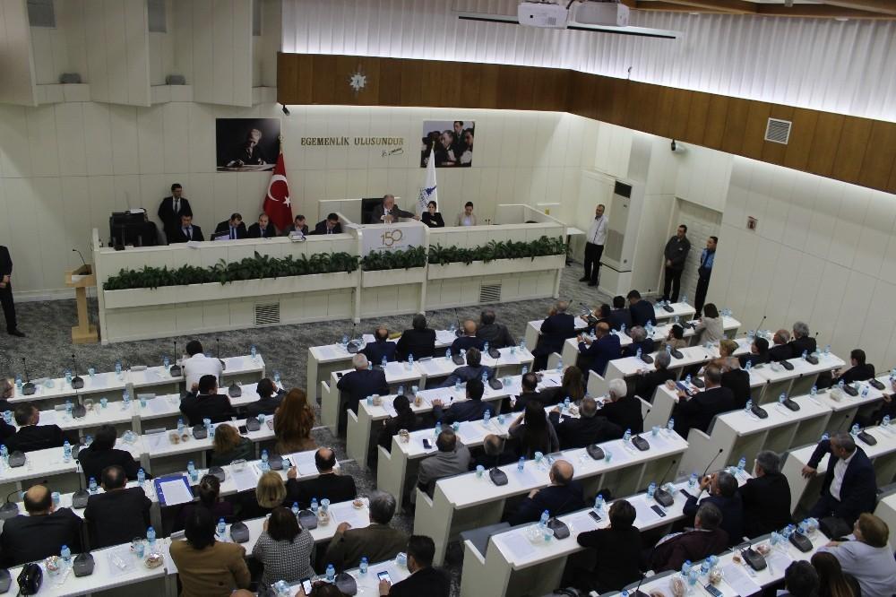 Meclis'te üniversite yerleşkesi tartışması