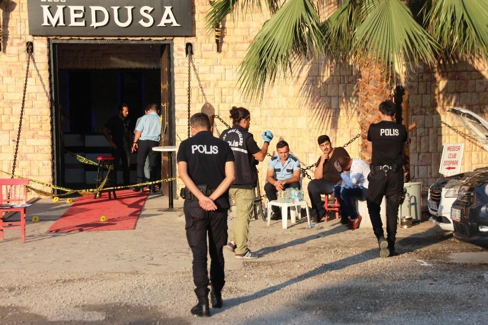 Silahlı saldırıda hayatını kaybeden şarkıcı Hacer Tülü'nün İzmir'de toprağa verileceği belirtildi