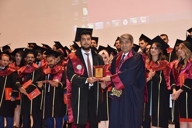 Harran tıpta mezuniyet töreni yapıldı