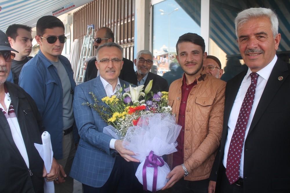Bakan Ağbal: ″Bunlar 24 Haziran seçimlerinde şimdi dört şirinleri oynuyorlar, bize olduklarından farklı gözüküyorlar″