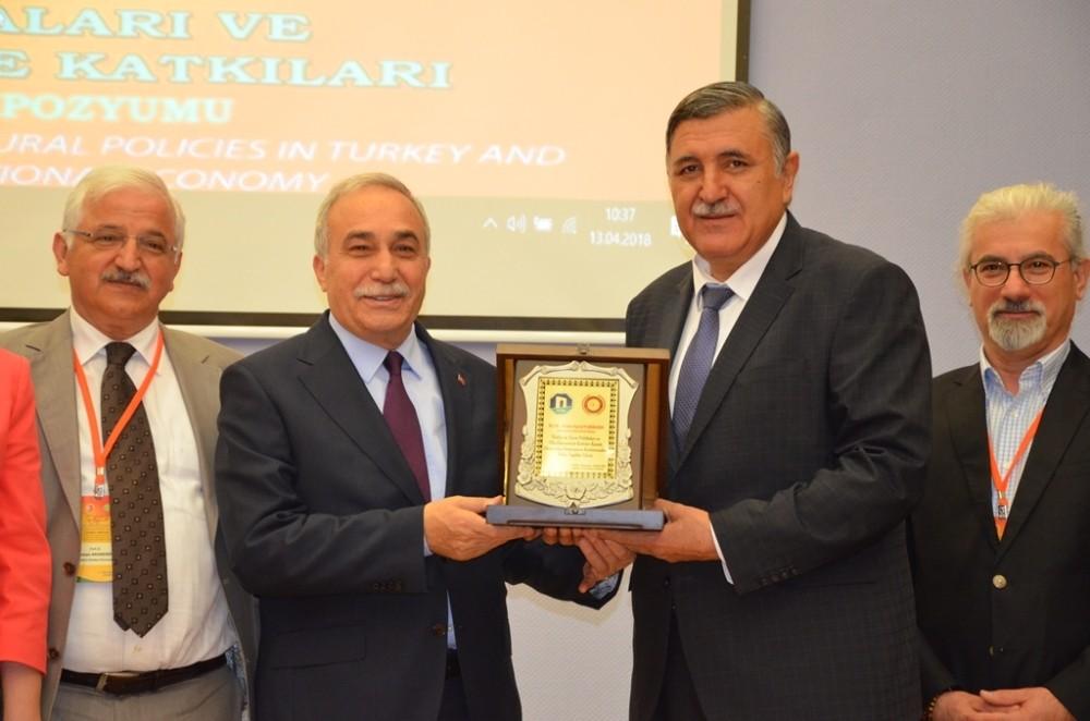 Türkiye'de Tarım Politikaları ve Ülke Ekonomisine Katkıları sempozyumu