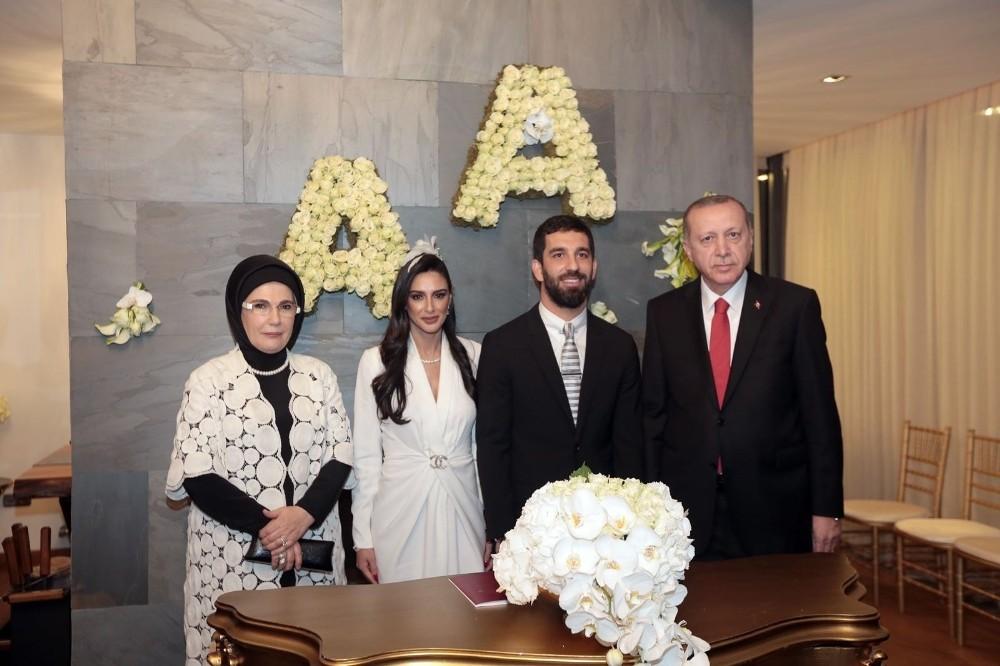 Cumhurbaşkanı Erdoğan, Arda Turan'ın nikah şahidi oldu