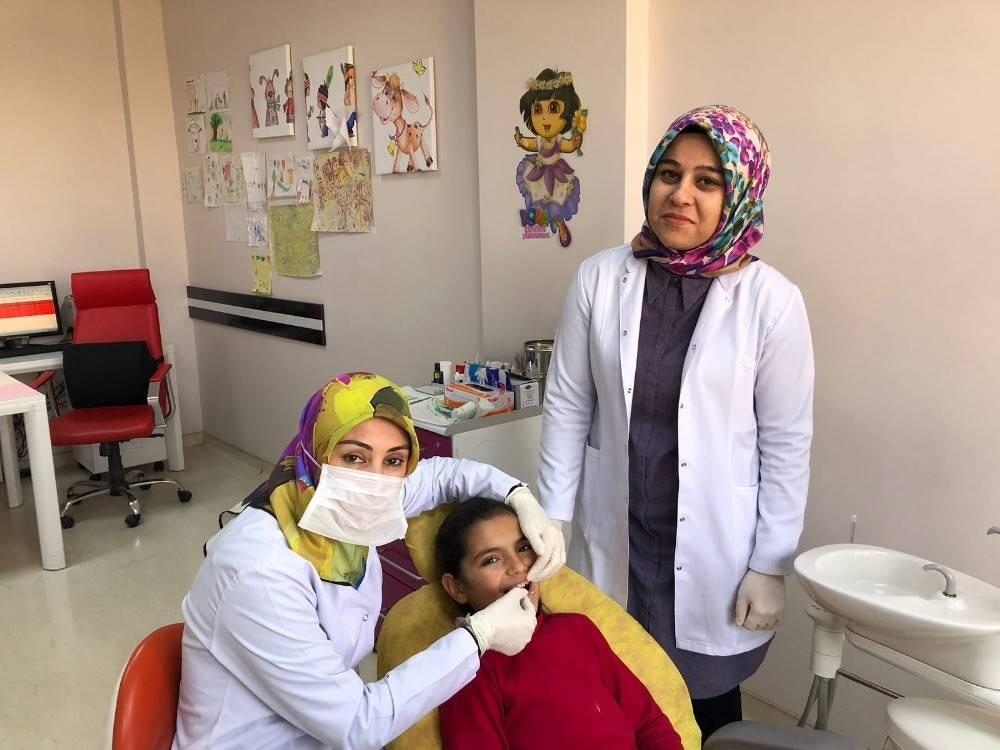Ağız ve Diş Sağlığı Merkezinde yer tutucu yapımına başlandı