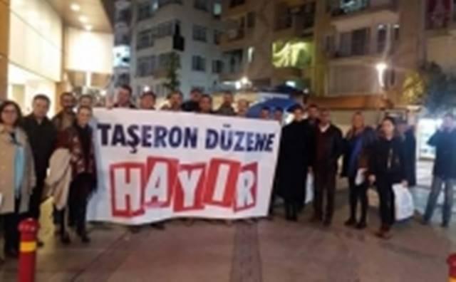 İzmir Ayakta . . .