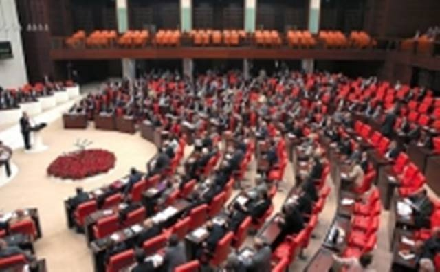 Taşeron ve Sözleşmeli Personel Sorunu Mecliste Konuşuldu