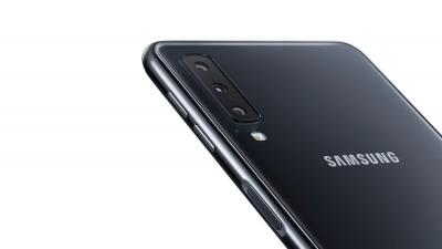 Üç Kameralı Samsung Galaxy A7 Özellikleri ve Fiyatı