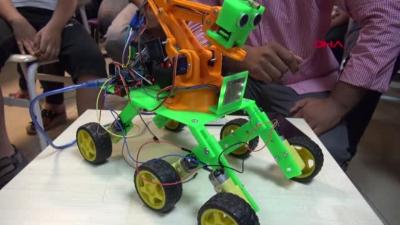 Dört İşlem Çözebilen Urfalı Robot